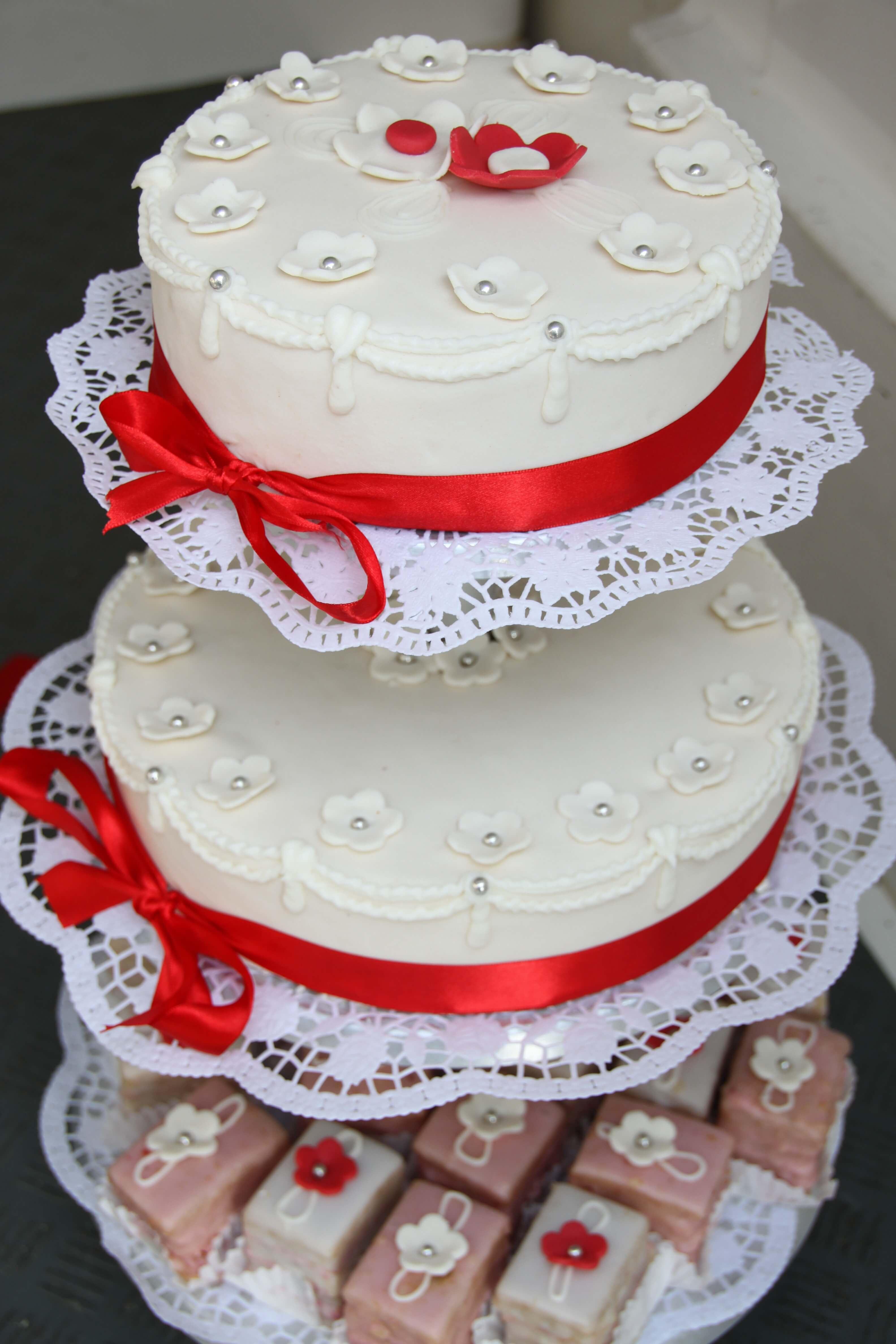 Hochzeitstorte Fur Den Schonsten Tag In Ihrem Leben Der